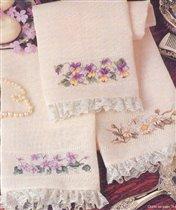 Полотенца с цветочной отделкой