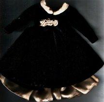 бархатное платье для Барби