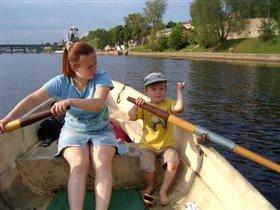 Славик и я на лодке