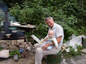 С дедом топим печку