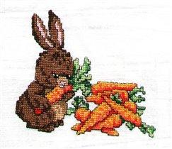 Заяц с морковью