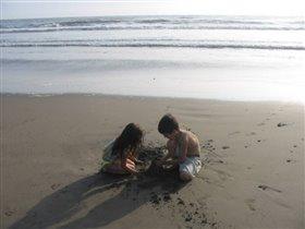 Брэнда и Алёша на пляже...1 января 2004