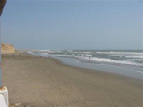 На берегу моря в Пакасмайо