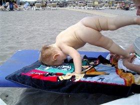 Зарядка на пляже