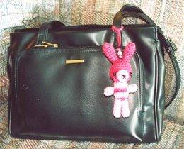 Зайчик-брелок на сумку