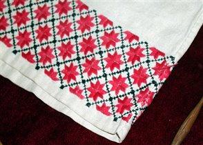 фрагмент вышивки на рубашке