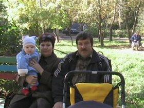 с бабушкой и дедушкой всегда веселей!
