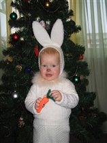 Зая с морковкой