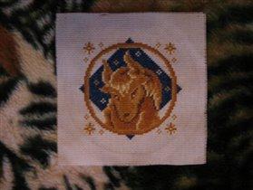Маме подарила Тельца, ее знак зодиака. )