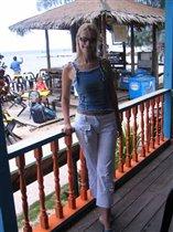 в кафешке на берегу, перед отъездом с острова