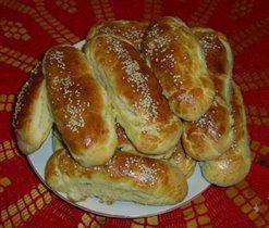 Пирожки с сосисками