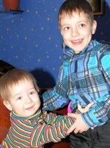 Дашулька и двоюродный братик Дима