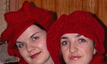 Красные кепочки поближе