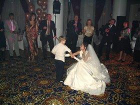 танец с невестой