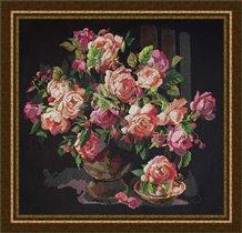Классические розы от Bucilla