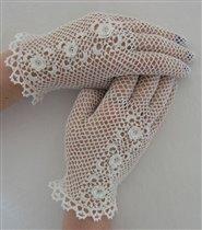 Ажурные перчатки.