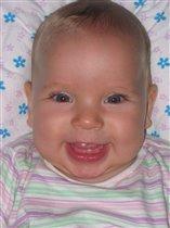 первый зуб (5.5мес.)