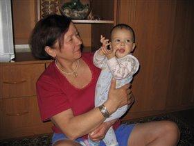 Алиса с бабулей!