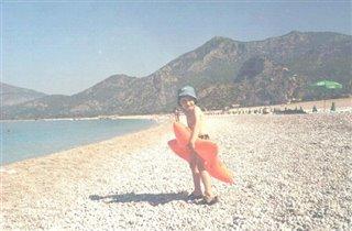 Макс на пляже