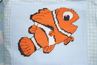 Вышивка рыба-Немо.