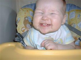 Мама! Мама! Давай скорее кушать!!!..., смотри как я тебе улыбаюсь!
