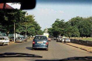 Улица в Яунде