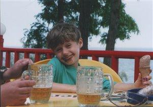 С мороженым и пивом отдохнешь красиво!