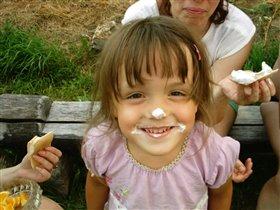 На даче едим мороженное