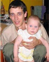 Нюся с папой в первый день рождения