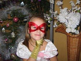 Мадам Баттерфляй у новогодней елочки