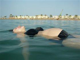 Саша ещё не родился, но уже побывал в Египте и даже поплавал в море!