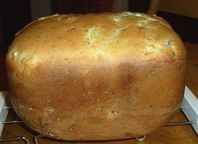 Хлеб с луком и оливками