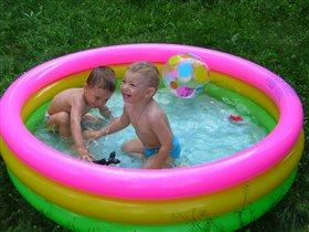 Веселое купание.