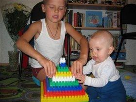 Мы маме дом построим!!!