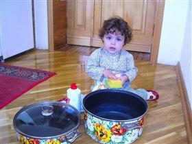 Мама! Ох, как надоела мне эта посуда!