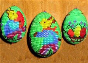 Бисерное яйцо ' Зайки на лужайке '
