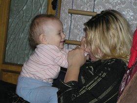 Кактюша любуется своей тётей.
