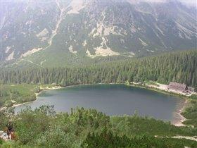 На полпути к Sedlo озеро выглядит так...