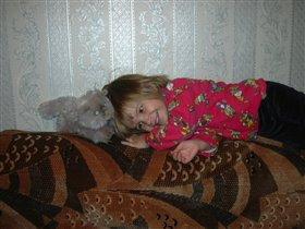 Я котика люблю.