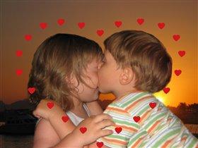 Первый поцелуй - первое прощай, первое хочу - первое нельзя.