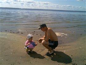 Двое на берегу...