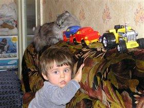 Мальчик Саша и кот Сёма