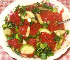 Салат с помидорами в собственном соку