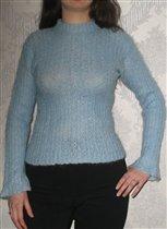 Голубенький мохеровый свитер