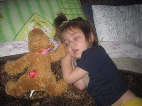 Танюша спит...