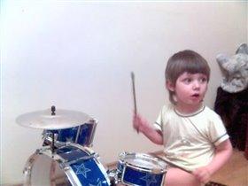 барабан был плох барабанщик бог...