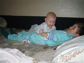 Вдвоем даже спать веселее!
