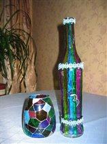 Вазочка и бутылочка в одном стиле