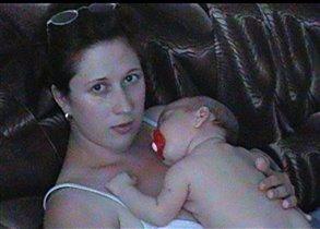 с мамой сладко спится
