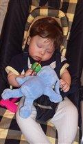 Спящий Илья  - 6 месяцев